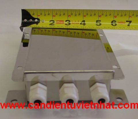 Cân sản điện tử 1 tấn, Can san dien tu 1 tan, junction-box-loadcell_1347594889.JPG